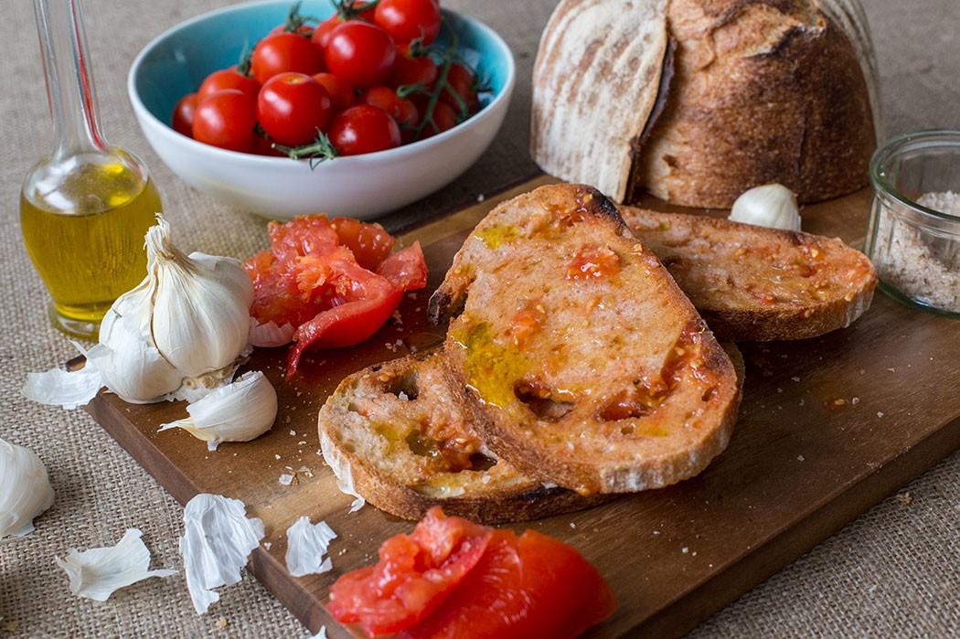 Tomato_Bread_02-1050x699.jpg